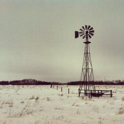 Grey day in the field - great day nonetheless. #saskatchewan #aggpfieldwork #snow (at Highway 219)