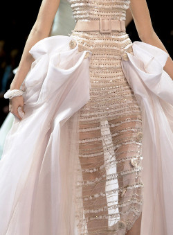 she-loves-fashion:  SHE LOVES FASHION: Christian Dior fall 2008 couture
