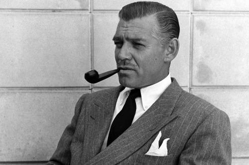 voxsart:  Time For A Smoke. Clark Gable, 1946.