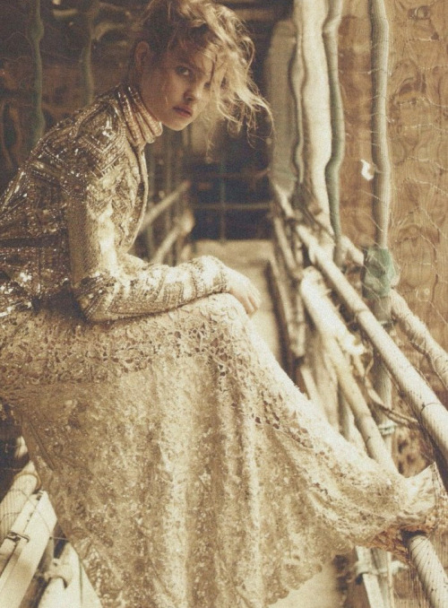nikasoro:  Natalia Vodianova by Michelangelo di Battista for Harper's Bazaar UK December 2010