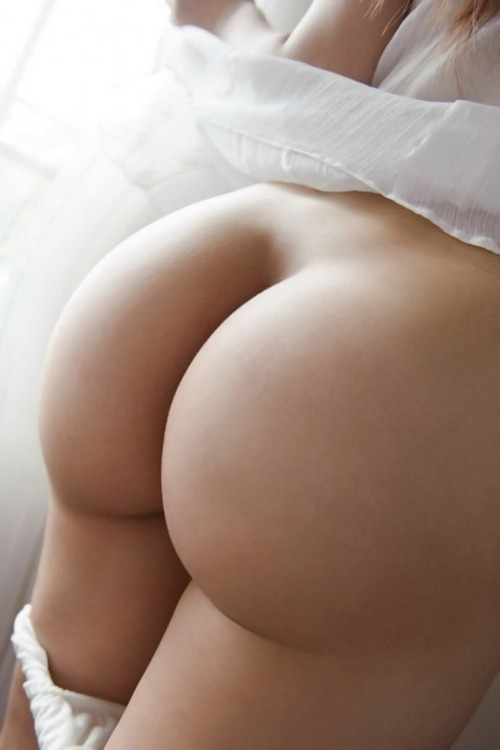 assbythepound:  Ass By The Pound So much ass it breaks the scales! http://assbythepound.tumblr.com/