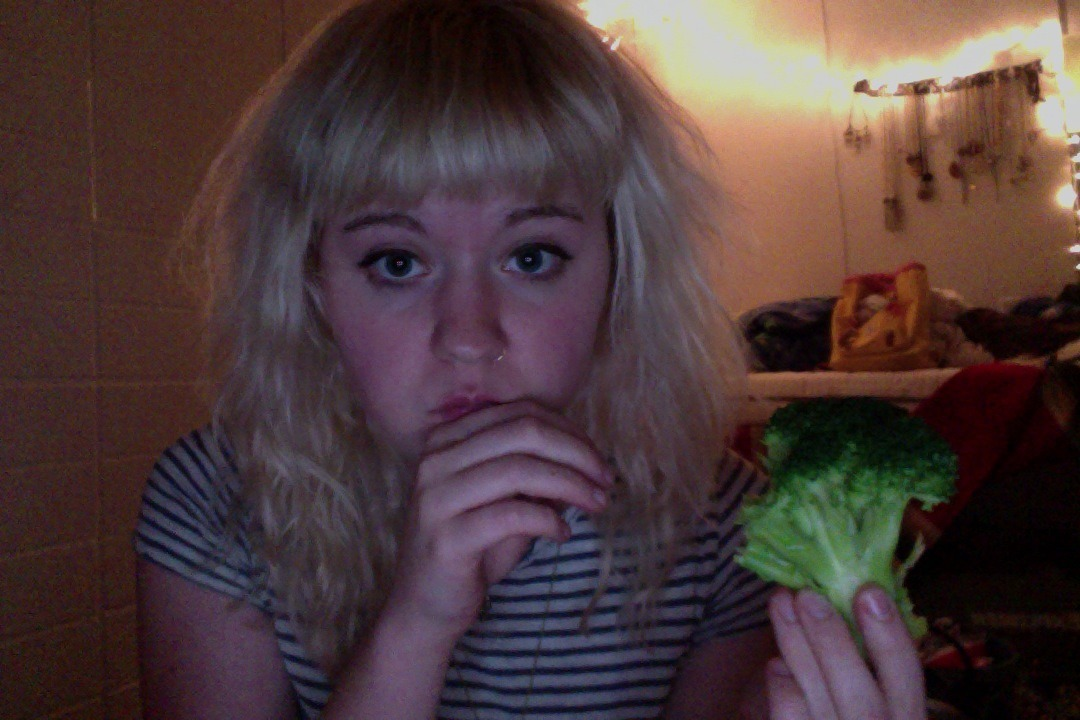 u no just eating a whole head of broccoli by myself at 3am
