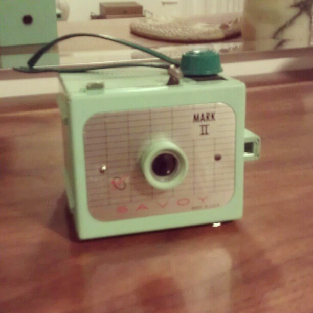 Well hello beautiful! #vintagefinds #cameras #plastic #bakelite #savoy #vintagecamera #teal #green #love