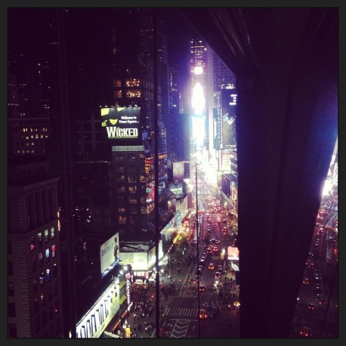 The sun goes down and the lights come on. #timesquare #nyc
