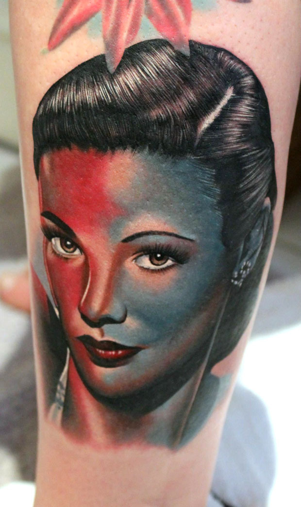 thievinggenius:  Tattoo done by Phat German.