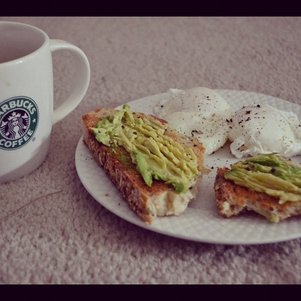 Back to basics! #breakfast #eggs #avocado #toast #delicious #simple #coffee #starbucks #lunch #myfave