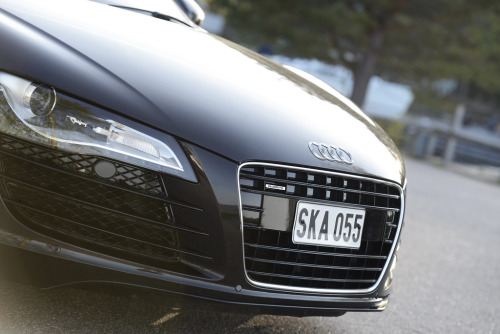 crash—test:  Audi R8 (by Jimpstyle)