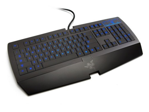 tacgnol:  gamefreaksnz:  One-Day Sale on Select Razer Gaming Keyboards $39.99–$79.99  Reading mixed reviews on the Lycosa. Does anyone have it? Any reviews?  its has a really low form factor by low i mean this thing would beat anyone at limbo, the keys feel nice and tacky, back light, good response time,  solid build by razer.