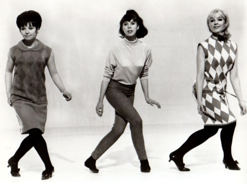 retrogirly:  Go Go Mania, 1965