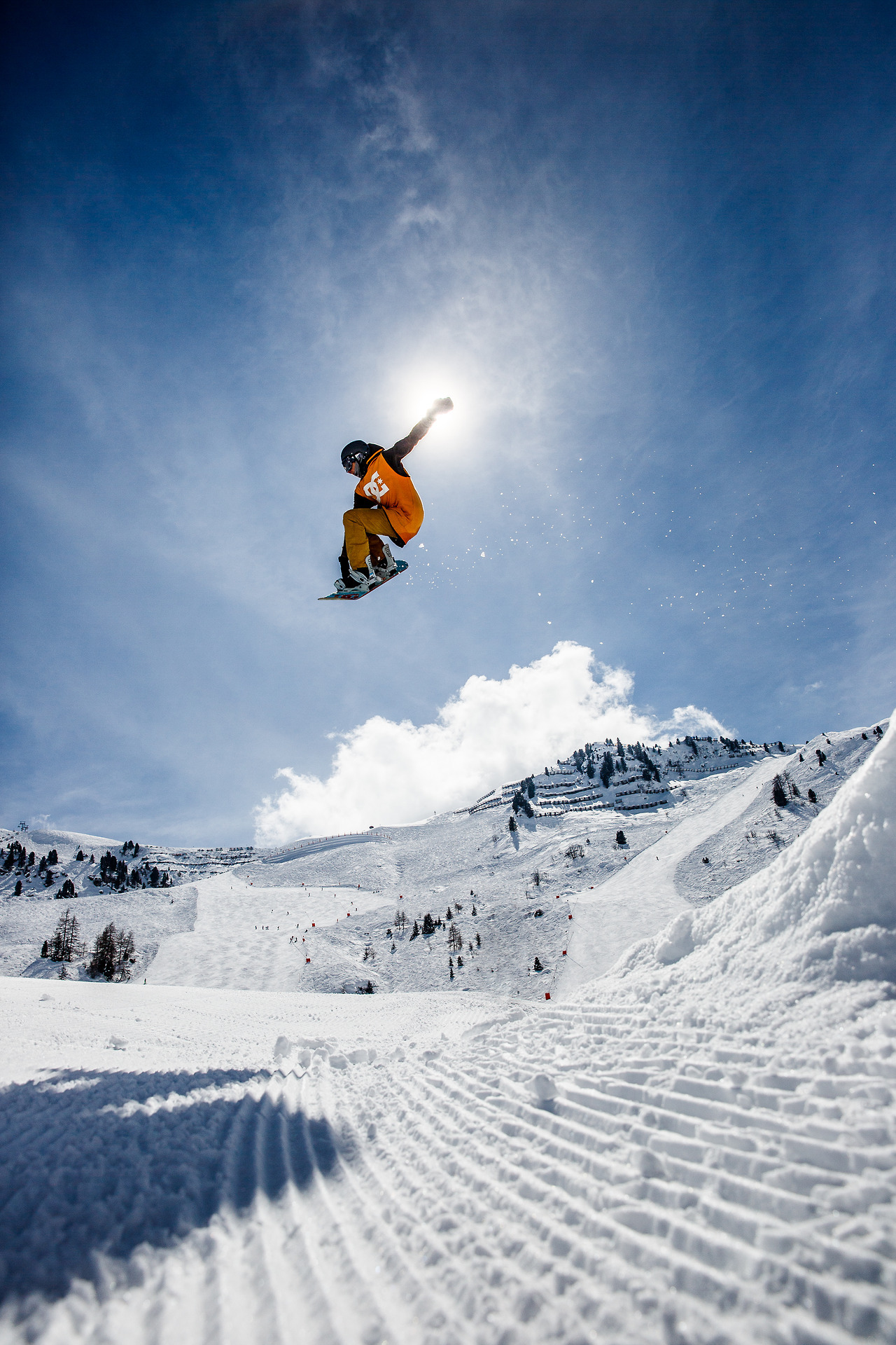 I spent all last week in Mayrhofen shooting the official Snowbombing gallery!  Check out the highlights! http://photos.snowbombing.com/