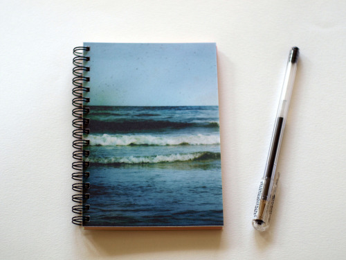 lackingly:  Ocean journal (by afiori.com)