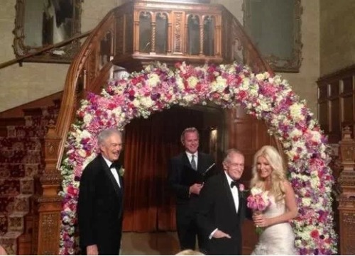 It's official this time. Hugh Hefner and Crystal Harris are married!!! The couple wed over the new year at the Playboy Mansion.