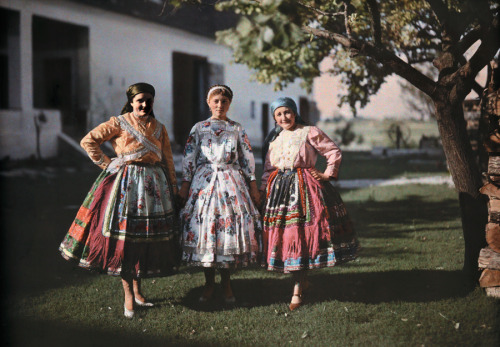 natgeofound:  Portrait of three peasant women in traditional clothing on a farm in Hungary, 1930.Photograph by Hans Hildenbrand, National Geographic