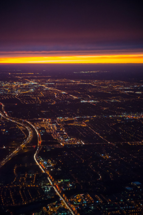 mystic-revelations:  339/365: Twilight over Toronto. By Gregory Pleau