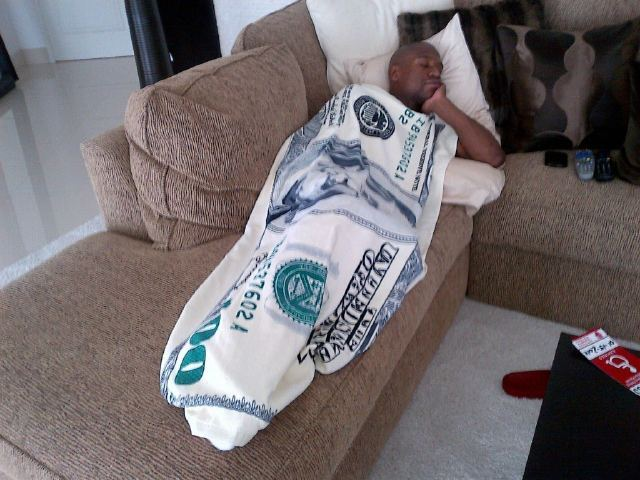evilxe:  He even has a money blanket smh lol