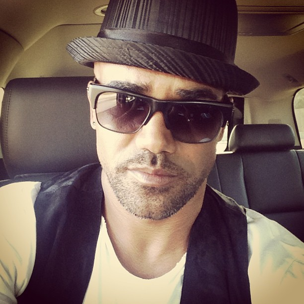 @shemarmoore: On my way to the CBS INTERNATIONAL UP FRONTS TELEVISION PROMOTIONS… Promoting new and returning shows for next season all around the world!! CRIMINAL MINDS SEASON 9….