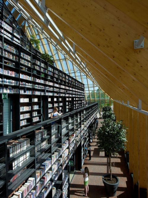De Boekenberg (The Book Mountain) Spijkenisse, The Netherlands.