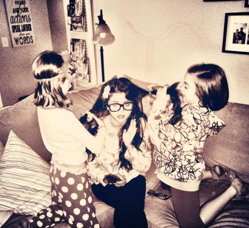 Selena: 'My littles… Getting me ready!'