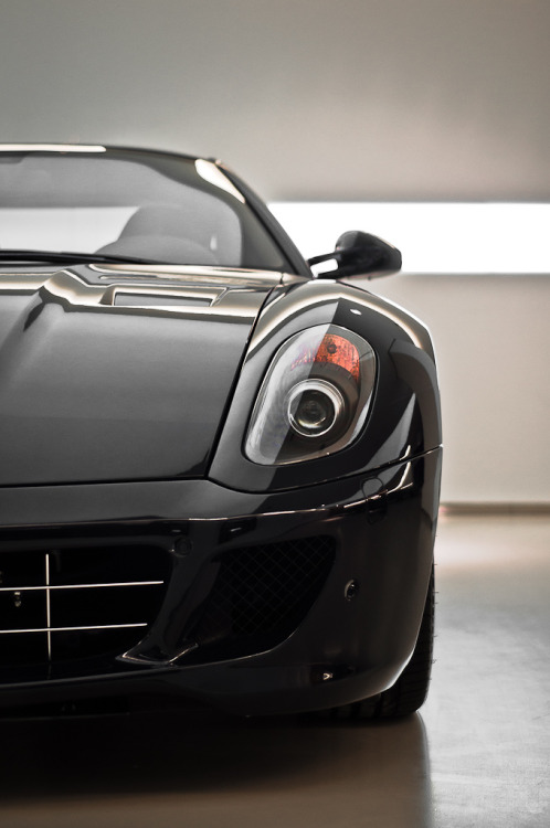 automotivated:  Ferrari 599 GTB (by pskrzypczynski)