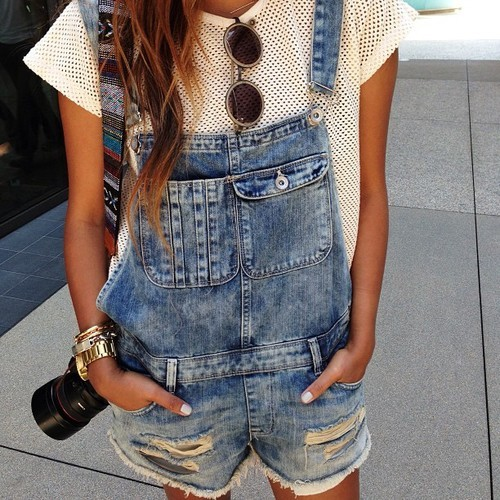 amazing tee to pair with dungarees!