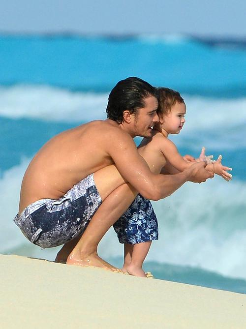 Orlando Bloom and son Flynn on vacation in Cancun, Mexico.