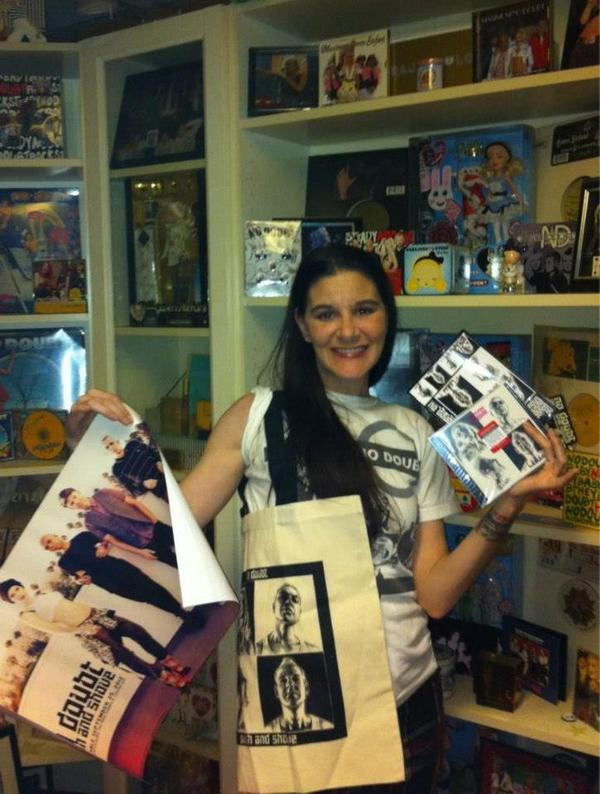 No Doubt - Want to add a #PushAndShove prize pack to YOUR @NoDoubt collection? RT now for a chance t