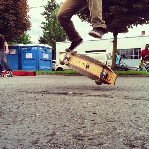 @johnnyturd one man demo. #skateboard
