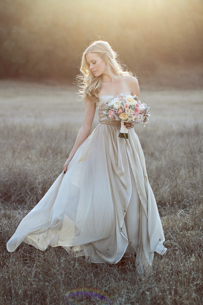 gorgeous photo #outdoorwedding #bride #wedding