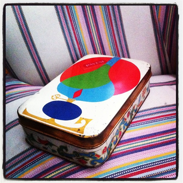 #retro #pattern #tinbox #decoration #display #myroom