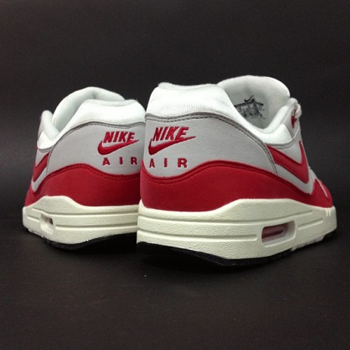 sizeofficial:  Nike Air Max 1 OG - online now!! #size #nike #air #max #og #sizehq