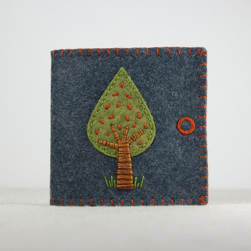 Tear Drop Apple Tree Wool Felt Needle Book by TheBlueDaisy on Flickr.