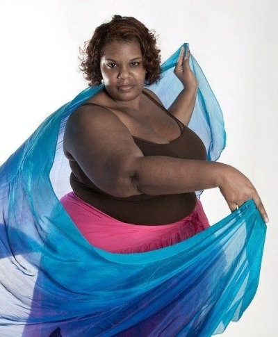 "lovethyfatness:  ""My name is Rounissha Williams and this is my photo. I am proud to be a belly dancer. I am from Plainfield NJ. I study with Miriam Berger from Highland Park NJ."" -Belly Dance At Any Size"