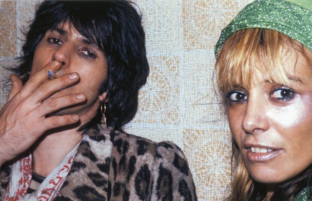 KEITH RICHARDS et ANITA PALLENBERG (1974) sistermorphinelovescookies:   Keith and Anita at a Faces' show, 1974.