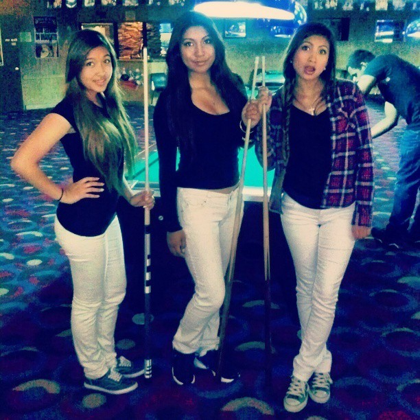 Sunday fun day! @immariachristina @laurel_loves_you #fambam #pool #matching #black&white #cousin #sister #cute #jk #lol  (at Neverland)