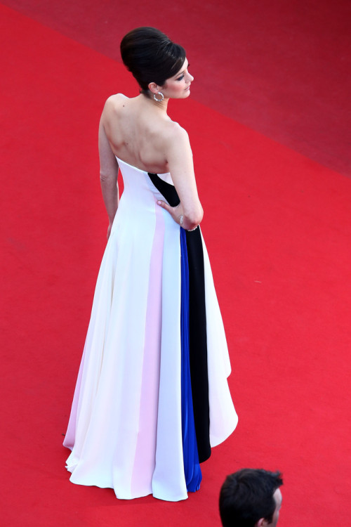 rachaelnotrachel:  Marion Cotillard at the Cannes premiere for Blood Ties on May 20, 2013.