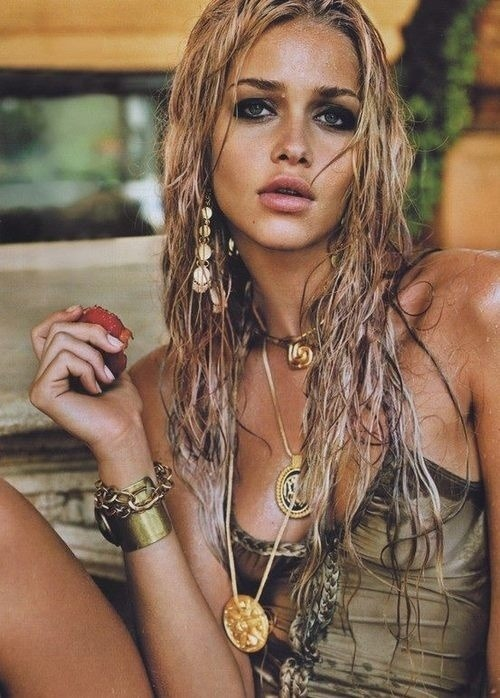 the-urbannomad:  Ana Beatriz Barros