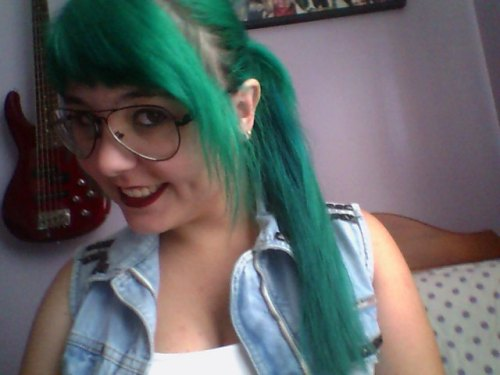 """My green hair <3"" Thanks for sharing!"
