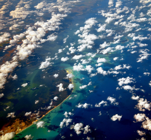 torace:  Scattered clouds over Cuba (by aremac)