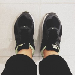 Fashion Paranoia: Hoping that your #Nike Runs 👟 make your outfit look @susiebubble chic rather than 90s saggy Dad. #shoes #fashion #neon #sportschic