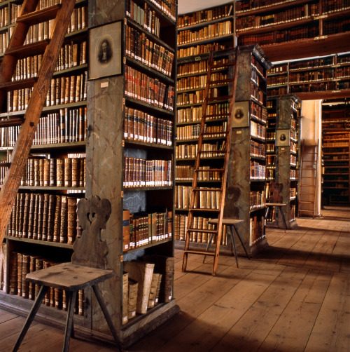 wanderthewood:  Private library, Saxony-Anhalt, Germany