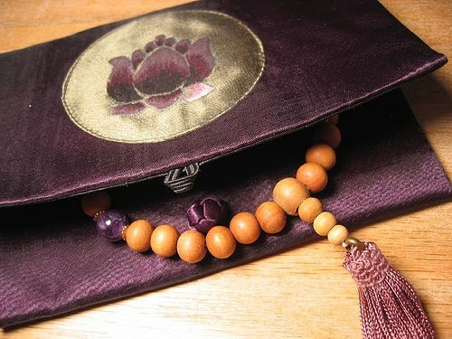 Sandalwood Mala with Amethyst Interval Beads