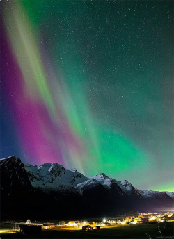 vurtual:  Northern Lights (by Per Magne)