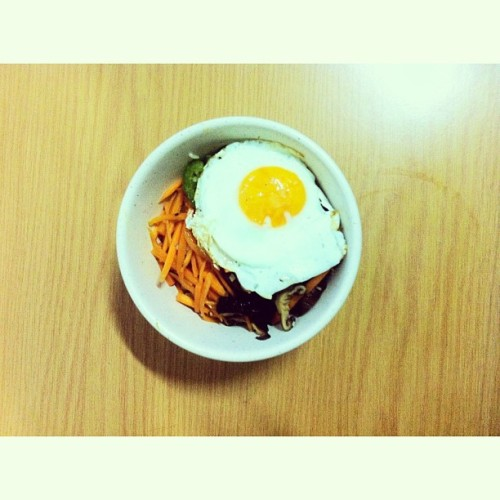 Preparation for a Korean boyfriend. Tonight's dinner, bibimbap. #koreaimissyou