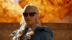 ivaandres:  DEAL WITH IT   Khaleesi badass as hell!