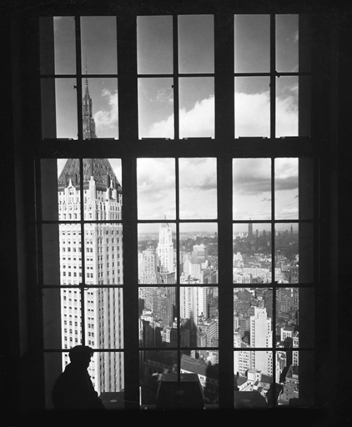 adanvc:  View from 63 Wall Street. 1930. (via)