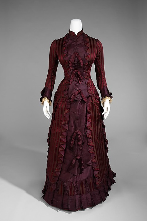 "inspiringdresses:   Wedding Essemble, 1878, AmericanMet Museum   While white is now de rigueur for bridal attire, the fashion for white wedding gowns originated only in the late 19th century and was not commonplace until the 20th century. This dress is a good example of the more practical 19th century practice of brides wearing colored gowns for weddings. The wedding dresses could then be worn again for other receptions and social events. A well-made and finely-detailed example of the period, this dress would have been described as a ""cuirass"" or ""cuirass style"" at the time it was made, a term that refers to the form-fitted bodice. A steel-boned corset helped to achieve the ideal figure for the cuirass style in the 1870s and 1880s."