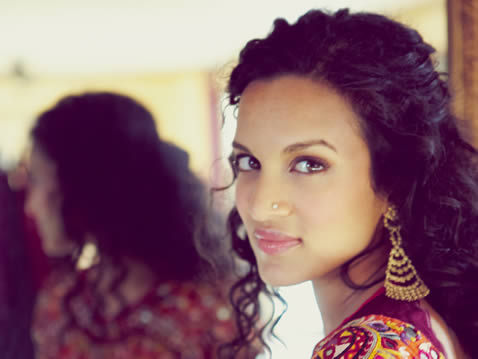 handsomeasians:  Sources: here and here Anoushka Shankar plays the sitar.