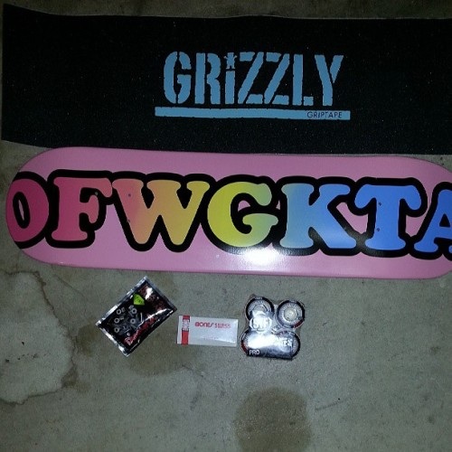 Happy Early Birthday present to meee! :DD #ccs #independent #ofwgkta #grizzly #bones