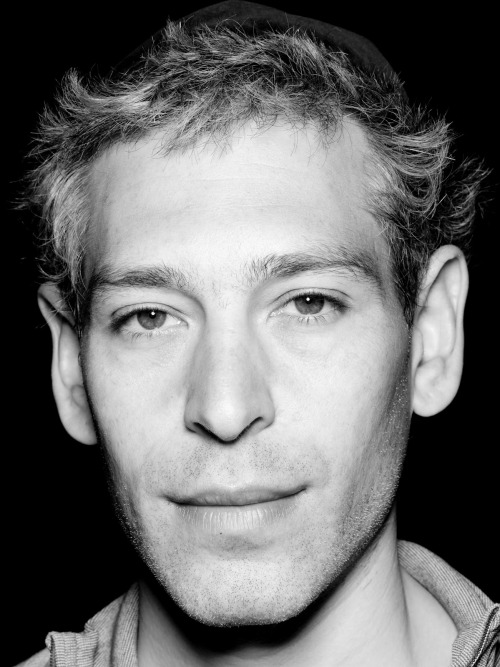 I'm usually utterly pro-beard. but i genuinely dig matisyahu's new deal. do you, my man. do you.