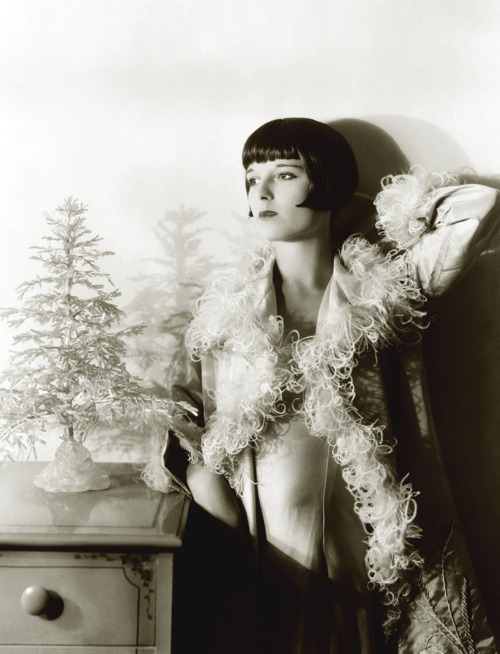 Louise Brooks…Next hair cut?